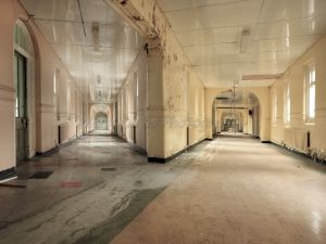 older image high royds double aspect 2007 corridor.jpg