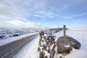 driving home for christmas haworth moor december 18 2010 sm.jpg