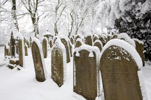 haworth cemetery graves sm.jpg