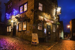 haworth main st xmas day kings arms 2012 11 sm - Copy.jpg