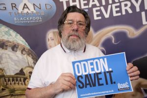 Ricky tomlinson save the odeon sm.jpg