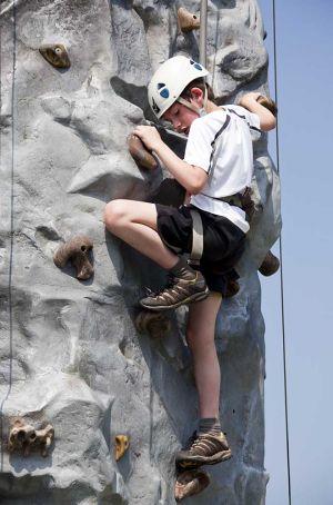 otley_show_climbing_sm.jpg