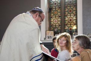 ken_fabian_liason_officer_jewish_synagogue_bowland_st_september_12_2010_sm.jpg