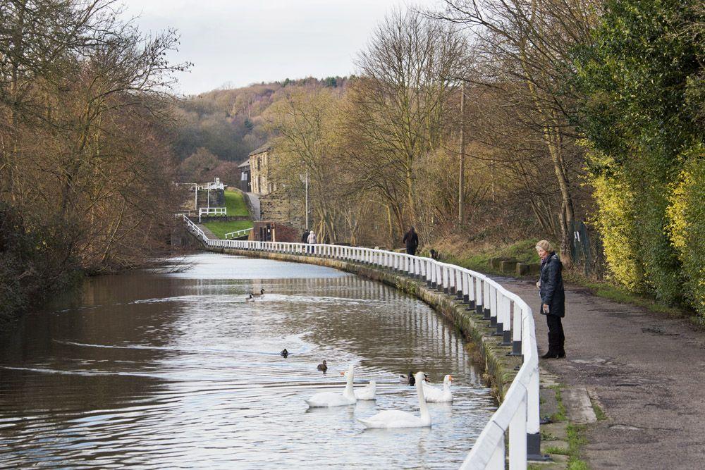 Category:Apperley Bridge - Wikimedia Commons