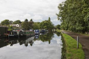 apperley bridge canal sm.jpg