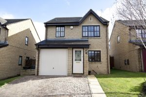 8 hions close whitegates 27 sm.jpg