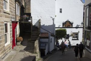 Gorgeous cottages robin hoods bay 11 sm.jpg