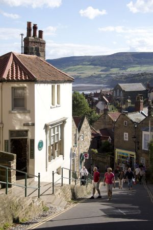 Gorgeous cottages robin hoods bay 3 sm.jpg