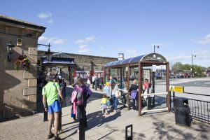 ilkley railway bus station 1 sm.jpg