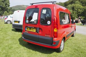 kangoo red 2.jpg
