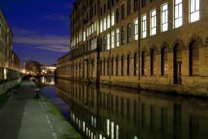 saltaire by night (14).jpg