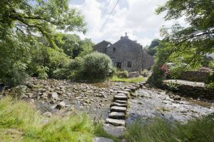 gorgeous cottages stepping stones settle 35-c84.jpg