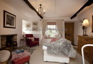 gorgeous low cottage reeth 3.jpg
