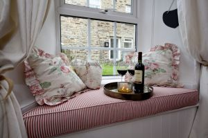 gorgeous low cottage reeth 4.jpg