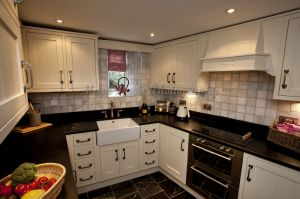 gorgeous low cottage reeth 9.jpg