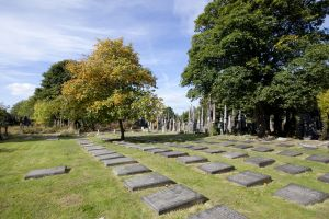 undercliffe september 26 2011 quaker graves 1 sm.jpg