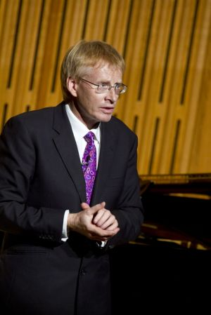 phil hammond 2 sm.jpg
