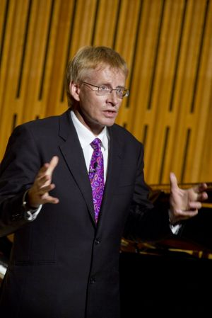 phil hammond 3 sm.jpg