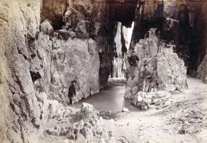 St catherines cave 1903 sm.jpg