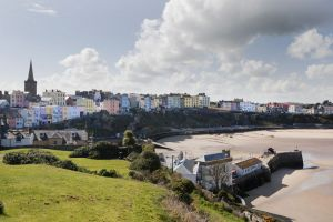 c17-tenby from castle hill showing harbour sm.jpg