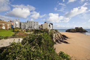 tenby looking to island november 2012 sm.jpg