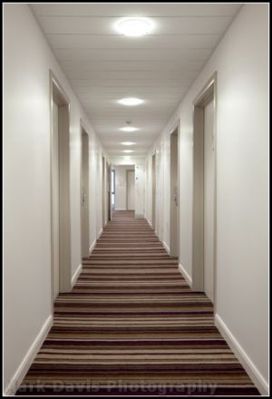 jurys 3 floor corridor july 20 2010.jpg